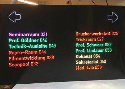 2-fraesen-lasern-hinweis-display-gelasert-acryl-schwarz-eventpoint